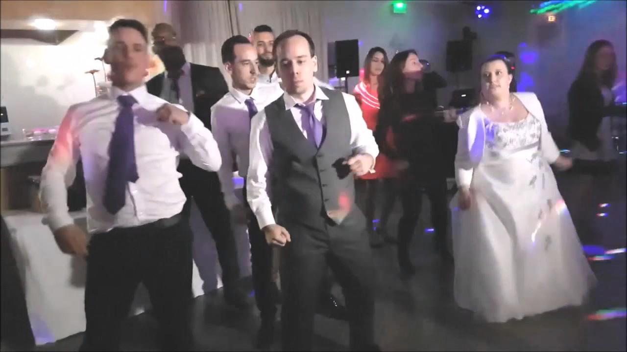 Ouverture de bal de mariage en groupe avec flashmob