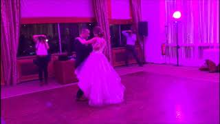 Splendide ouverture de bal de mariage – Your Song (Moulin Rouge)